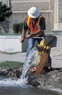 Flushing a water main